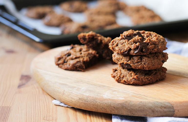 Cookies de Manteiga de Caju e Chocolate